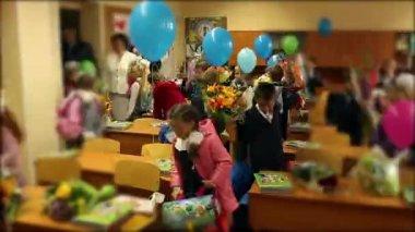 školáci na jednu lekci — Stock video