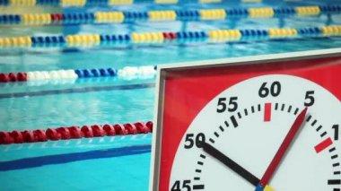 Cronômetro de esportes na piscina — Vídeo Stock