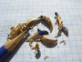 The grinded pencil and sawdust from it — Foto de Stock