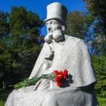������, ������: Monument to Ukranian fabulist Glibov