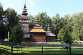 Nice wooden church in village of Western Ukraine — Stockfoto