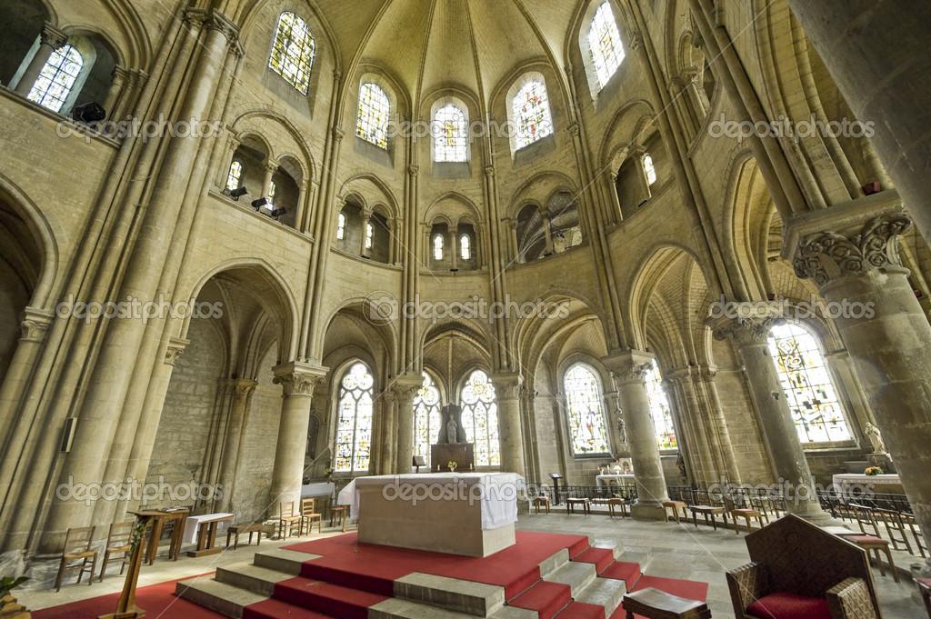 Saint leu picardie gotische kirche innenraum - Architektur gotik ...