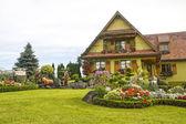 Ottrott (Alsazia) - Casa e giardino — Foto Stock