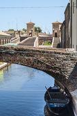 Comacchio - puentes y barcos — Foto de Stock