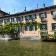 Old house on the Martesana canal (Milan, Italy) — Stock Photo