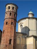 Asti, röda tornet — Stockfoto