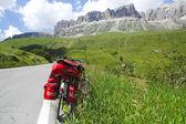 Passo Pordoi, Dolomites: a bicycle — Stock Photo