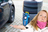 Ahora cambiar neumáticos — Foto de Stock