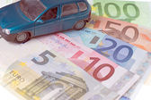 Car and Money — Stock Photo