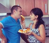 The woman feeds the man — Stok fotoğraf