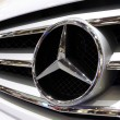 Mercedes Benz logo — Stock Photo #12755103