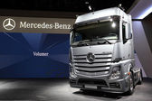 New Mercedes Benz Actros 1851 LS Truck — Stock Photo