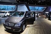 Mercedes Benz Viano Westfalia Camper Van — Stock Photo