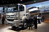 New Mercedes Benz Axor 3240 Concrete Mixer Truck — Stock Photo