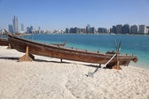 Beach in Abu Dhabi, United Arab Emirates — Stock Photo