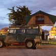Safari jeep with a roof tent on a camping site — Стоковая фотография