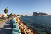 Promenade in La Linea, Spain and the Rock of Gibraltar — Stock Photo