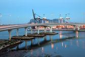 Container haven van algeciras verlicht in de schemering. andalusië — Stockfoto