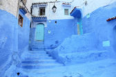 Blue door in the medina of Chefchaouen, Morocco — Stock Photo