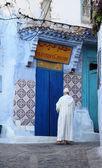 Street in the medina of Chefchaouen, Morocco — Stok fotoğraf