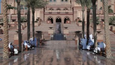 Emirates Palace in Abu Dhabi, United Arab Emirates — Stock Video