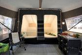 Dusseldorf - 4 settembre: all'interno di una roulotte tenda presso il caravan salon mostra 2013 4 settembre 2013 a dusseldorf, germania — Foto Stock