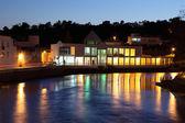 Budovy na řece v tavira, algarve, portugalsko — Stock fotografie