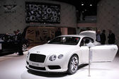 International Motor Show in Frankfurt, Germany. New luxury Bentley at the 65th IAA in Frankfurt, Germany on September 17, 2013 — Stock Photo