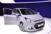 International Motor Show in Frankfurt, Germany. Hyundai presenting the new i10 at the 65th IAA in Frankfurt, Germany on September 17, 2013 — Stock Photo