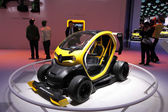 International Motor Show in Frankfurt, Germany. Renault Twizy Electric Racing Car at the 65th IAA in Frankfurt, Germany on September 17, 2013 — Stock Photo