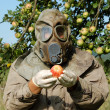 Man in gas mask — Stock Photo