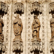 Apostles statues at the facade of cathedral in Sevilla, Spain — Foto de Stock