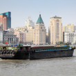Barge on the Huangpu river in Shanghai, China — Stock Photo