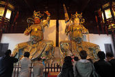 Western King of Far Sight and the Northern King of Virture in Longhua Temple, Shanghai China — Foto de Stock