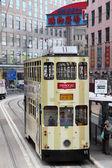 Tram di doulbe decker nella centrale di hong kong, cina — Foto Stock