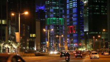 Street in Doha at night. Qatar — Stock Video