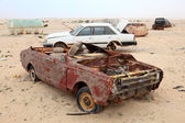 Abandoned cars in the desert. Qatar, Middle East — Foto Stock