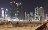 Construction site in Doha downtown at night. Qatar, Middle East — Стоковое фото