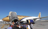 Gulf Air aircraft boarding. Manama, Kingdom of Bahrain — Stock Photo