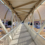 Pedestrian overpass in Abu Dhabi, United Arab Emirates — Stock Photo