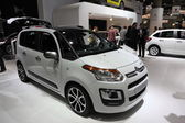 LEIPZIG, GERMANY - JUNE 1: Citroen C3 Picasso van at the AMI - Auto Mobile International Trade Fair on June 1st, 2014 in Leipzig, Saxony, Germany — Foto Stock