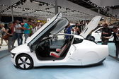 LEIPZIG, GERMANY - JUNE 1: VW XL1 Concept Car at the AMI - Auto Mobile International Trade Fair on June 1st, 2014 in Leipzig, Saxony, Germany — Foto Stock
