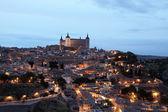 Old town of Toledo illuminated at night. Castilla-La Mancha, Spain — Stock Photo