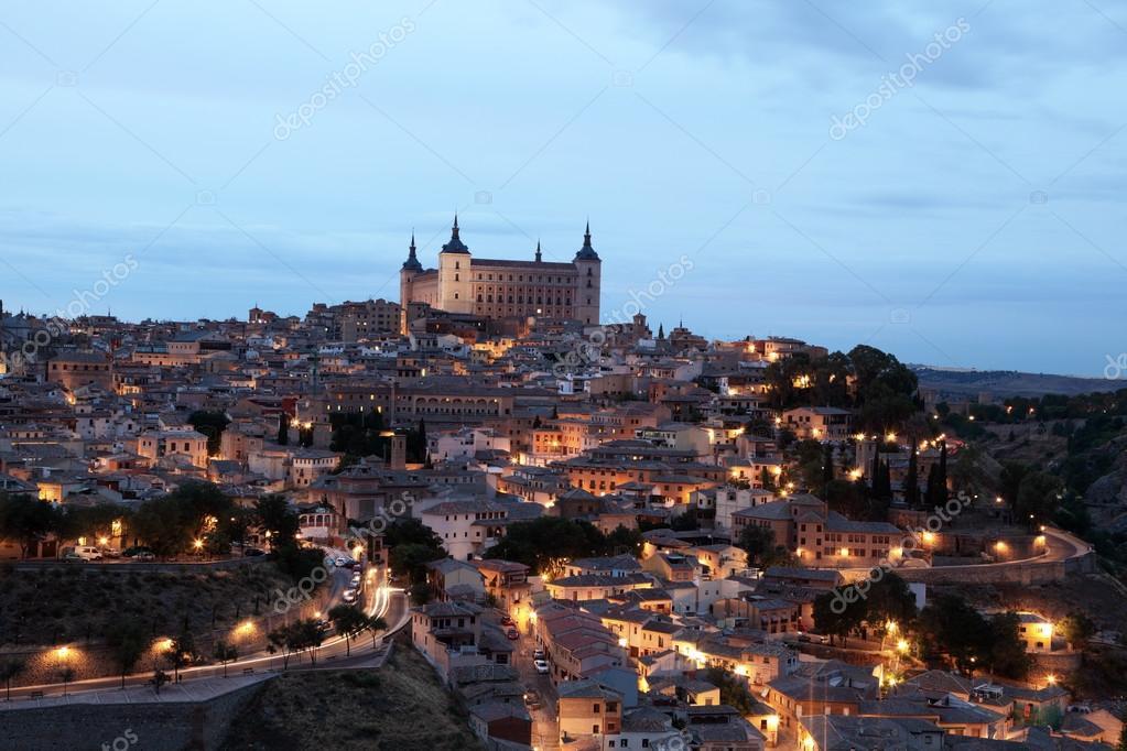 Vieille ville de tol de clair e la nuit castilla la for Piscine eclairee la nuit