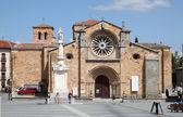 Santa Teresa Cathedral in Avila, Castilla y Leon, Spain — Stock Photo