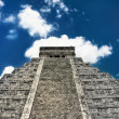 Kukulcan pyramid in Mexico — Stock Photo