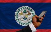 Telefon komórkowy w przód Flaga Belize — Zdjęcie stockowe