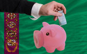 Finansiering euro i piggy rika bank nationella flagga turkmenistan — Stockfoto