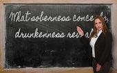 Nauczyciel wyświetlono rozwagi co ukrywa, pijaństwo pokazuje na — Zdjęcie stockowe