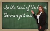 Enseignant montrant au pays des aveugles, le borgne est ki — Photo